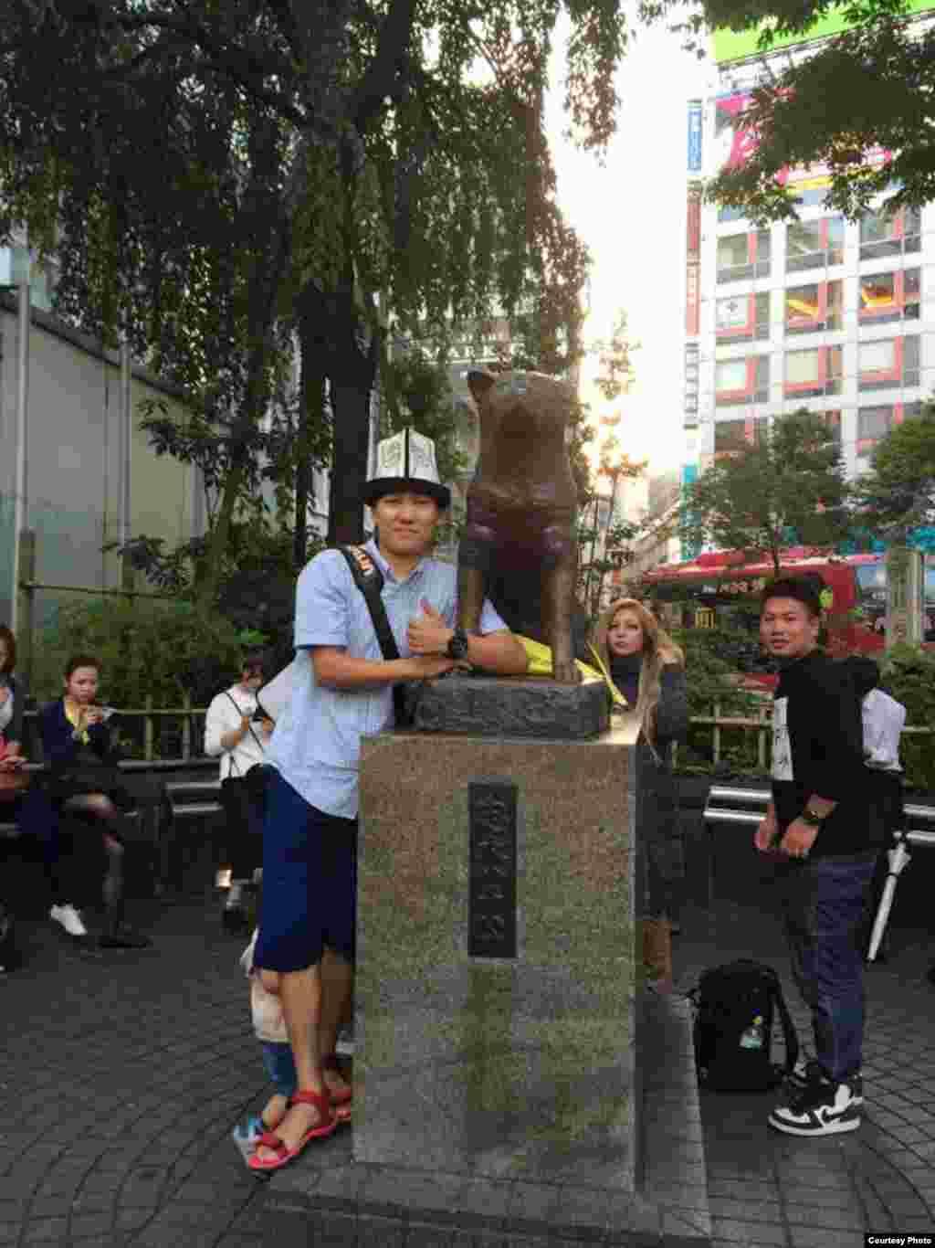 Путешественник. Моя профессия - путешествие. Я хочу увидеть новый мир, вернуться в Кыргызстан и привнести свои идеи.