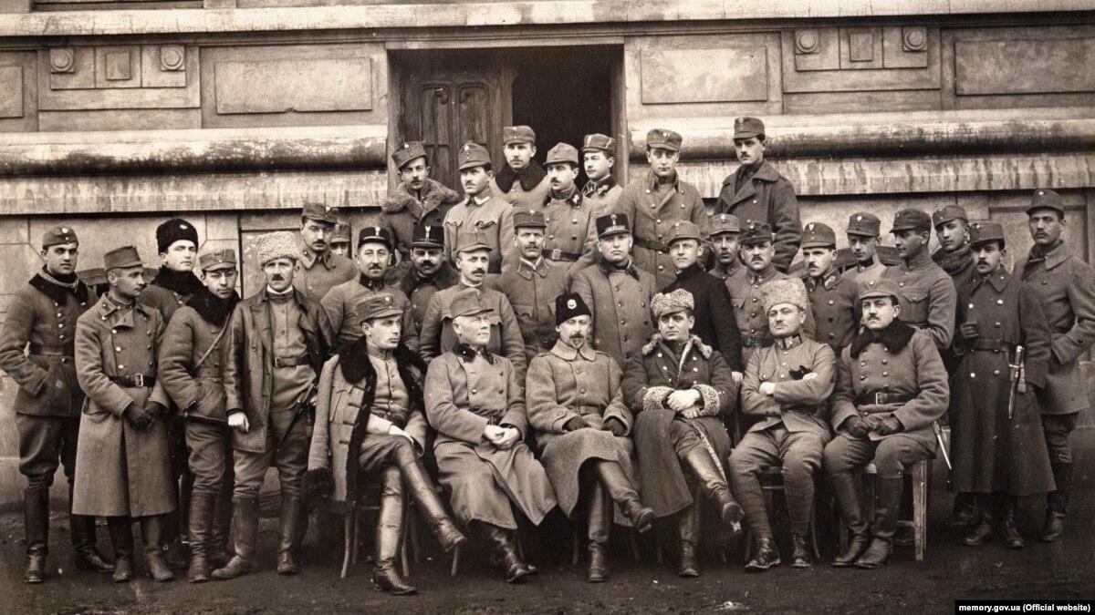 Сто лет назад: как Галицкая армия покраснела