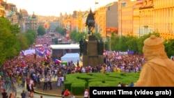 Protest protiv premijera Andrej Babiša 4. juna na glavnom praškom Vjenceslavovom trgu.