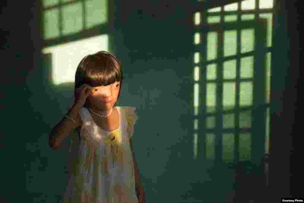 2-е место / Проблемы современности / одиночные фотографии Эд Каши, США, VII Photo Agency 9-летняя Нгуен Тхи Ли страдает от заболеваний, которые вызваны дефолиантом «Агент Оранж». Дананга, Вьетнам.