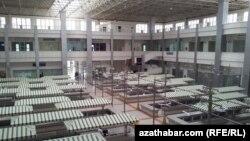 Boş duran bazar, Aşgabat