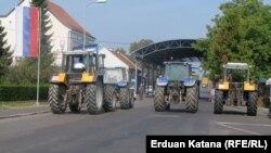 Poljoprivrednici iz RS blokiraju prijelaze, 3. septembar 2012.