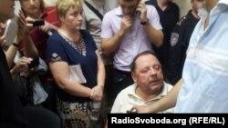 Екс-депутат від Партії регіонів Петро Мельник в залі суду, Київ, 1 серпня 2013 року
