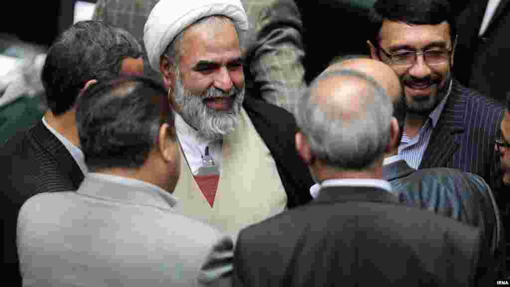 روحالله حسینیان،پس از ترخیص از بیمارستان.
