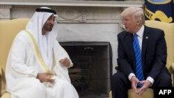 امیر محمد بن زاید آل نهیان، ولیعهد امارات متحده عربی روز دوشنبه با رئیسجمهوری آمریکا دیدار و گفتوگو کرد