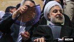Хасан Рохани, один из кандидатов в президенты Ирана (справа).