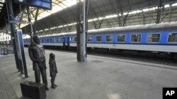 Опустевший Главный вокзал в Праге