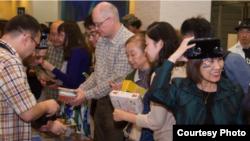 Япониядә Татар мәдәнияте көннәрендә татар сувенирлары сатылды
