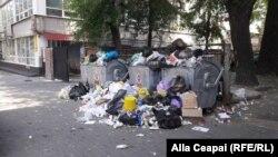 Gunoiul adunat în zilele crizei de la Chișinău