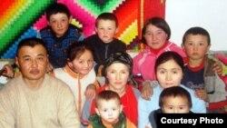 Семья казахов из Монголии. Иллюстративное фото.