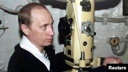 """Путин на субмарине """"Карелия"""", 2000 год"""