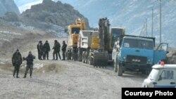 Строительство дороги Ак-Сай - Кок-Таш. 12 января 2014 года.