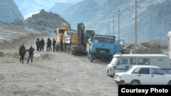 Жаңы курулуп жаткан Көк-Таш - Ак-Сай жолу, Баткен. 12-январь, 2014.