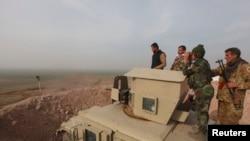 قوات كردية على اطراف الموصل 26 كانون الثاني 2015.