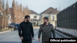 Голова парламенту Чечні Магомед Даудов на прізвисько «Лорд» (ліворуч) і очільник Чечні Рамзан Кадиров