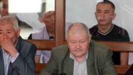 Шетпе оқиғасы бойынша айыпталушылардың адвокаттары сот залында. Ақтау, 17 сәуір 2012 жыл.