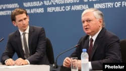 Armenia -- Foreign Ministers Sebastian Kurz (L) of Austria and Edward Nalbandian of Armenia at a press conference in Yerevan, 8Sep2014.
