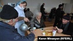 Հայաստան -- Վարդաշենի անօթեւանների կացարան, Երեւան, 13-ը դեկտեմբերի, 2012թ․