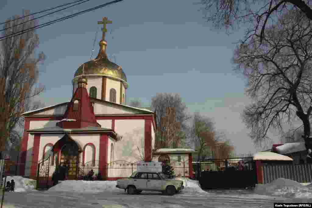 Храм Предтечи.Алматы, 7 января 2013 года.