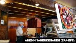 Tehranda restoran aşpazı