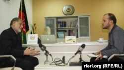 داکتر احمد یوسف نورستانی رییس کمیسیون مستقل انتخابات افغانستان در جریان مصاحبه اختصاصی با سید فتح محمد بها خبرنگار رادیو آزادی.