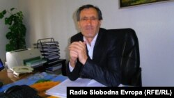 Неџати Османи, секретар на Општина Липково.