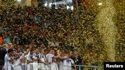 Сборная Германии празднует победу на ЧМ-2014