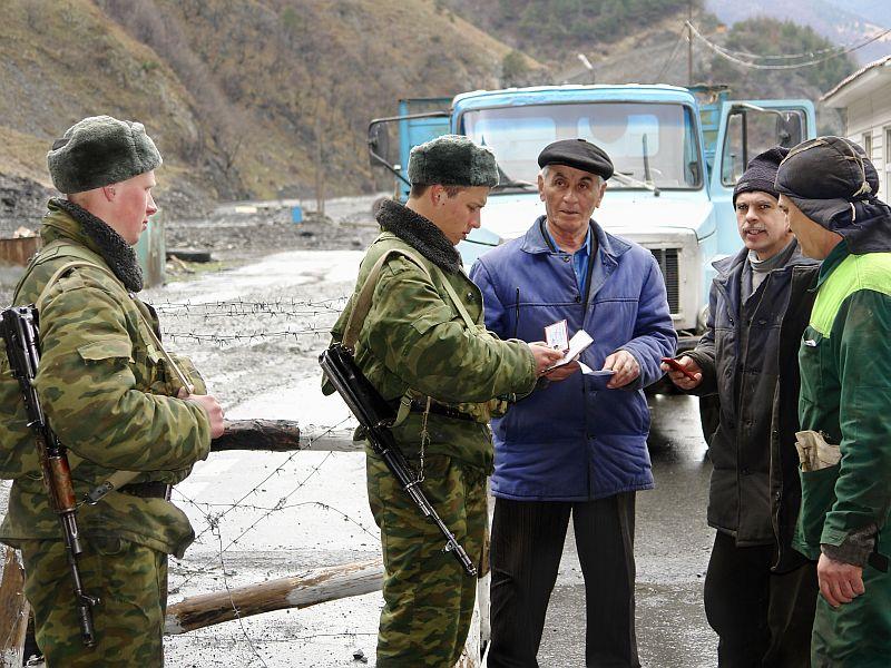 Rússia e Geórgia reabrem fronteira fechada desde 2006