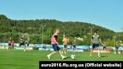 Тренування української збірної напередодні старту чемпіонату Європи 2016 року в Екс-ан-Провансі