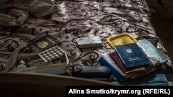 Фрагмент обыска в доме Тофика Абдулгазиева. Симферополь, 4 мая 2017 года