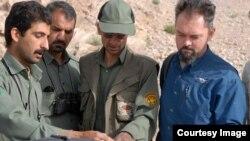 لوک هانتر همراه با محیطبانان در منطقه حفاظتشده درانجیر