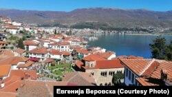 """Фотографија од серијалот """"Поздрав од мојот прозорец"""" (Охрид , Северна Македонија)"""