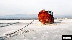 بخشی از مناطق خشکشده دریاچه ارومیه