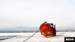 به گفته یک مدیر در استان آذربایجان غربی، ۷۰ درصد از مساحت دریاچه ارومیه خشک شده است