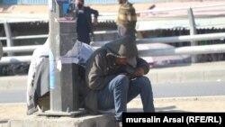 آرشیف، یک معتاد مواد مخدر در شهر کابل