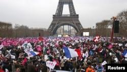 Демонстранти проти одностатевих шлюбів у Франції, архівне фото