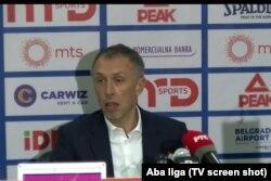 'Neregularni uslovi u vezi čega?, upitao je trener Crvnee Zvezde Milan Tomić.