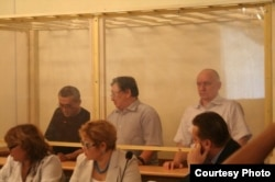 Слева направо: Акжанат Аминов, Серик Сапаргали, Владимир Козлов. Актау, 16 августа 2012 года.