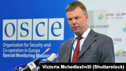 Перший заступник голови місії ОБСЄ Александр Гуґ
