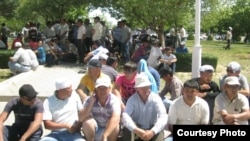 Striking Kazakh oil workers in Aqtau