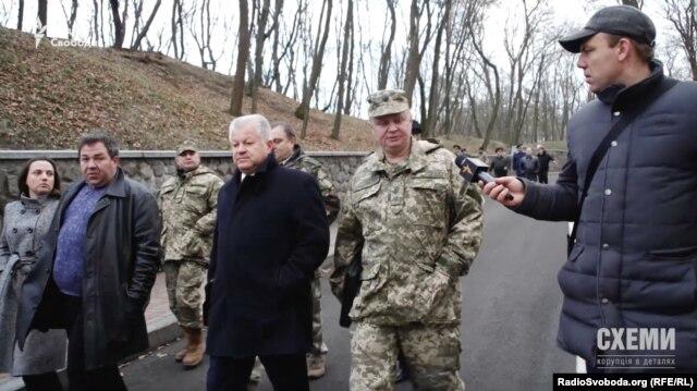 Заступник міністра оборони України Олександр Дублян, каже, що документа про передачу резиденції військовим він не бачив