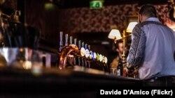 Միացյալ Թագավորություն - Փաբ Լոնդոնում՝ մինչև կարանտինը, արխիվ