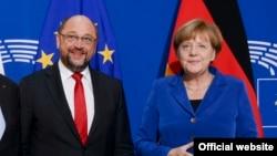 Martin Scuhulz, predsjednik SDP Njemačke i kancelarka Angela Merkel, liderka CDU