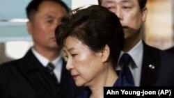 Оңтүстік Кореяның экс-президенті Пак Кын Хе.