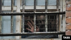 Окно следственного изолятора