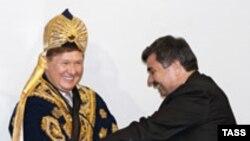 Минтақа расмийлари Газпром раиси Алексей Миллерга ҳар қанча зарбоф тўн кийгизмасинлар¸ жаҳон бозорида ëнилғи баҳосининг тушиши Газпромни ҳам нархларни қайта кўриб чиқишга мажбур қилмоқда.