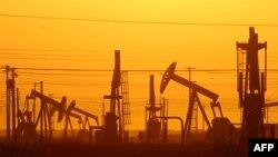 Из-за падения цен на нефть от ее производителей к потребителям будет перенаправлено, по оценкам, более 1 трлн долларов в год