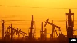 Добыча сланцевой нефти на месторождении в Калифорнии