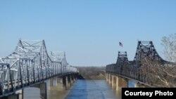 Мост над Миссисипи. Фото Рассел