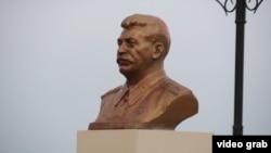 Сургутте Иосиф Сталинге қойылған ескерткіш.